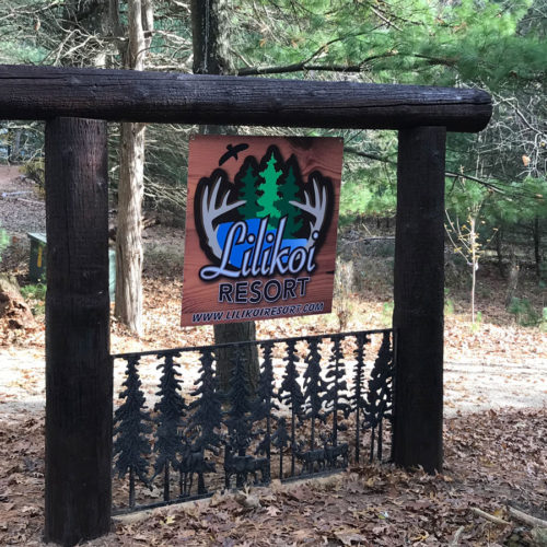 Lilikoi Resort sign.